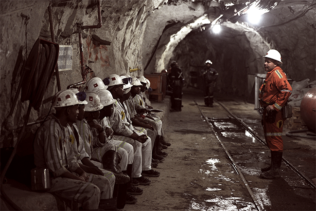 Massive mining job cuts leave SA on the edge