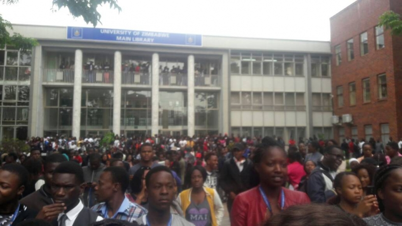 UZ students boycott exams till Mugabe resigns