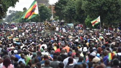 'SA can learn a lot from Zimbabweans' bloodless protests'
