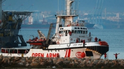 Migrants rescued but remain stranded at sea