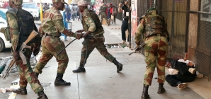 Court frees alleged Zimbabwe poll protesters on bail