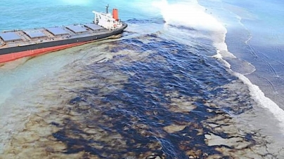 Mauritius spill highlights crisis for ocean economies